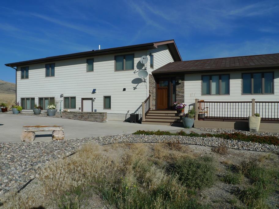 100 Bushbuck Rd, Townsend, MT 59644