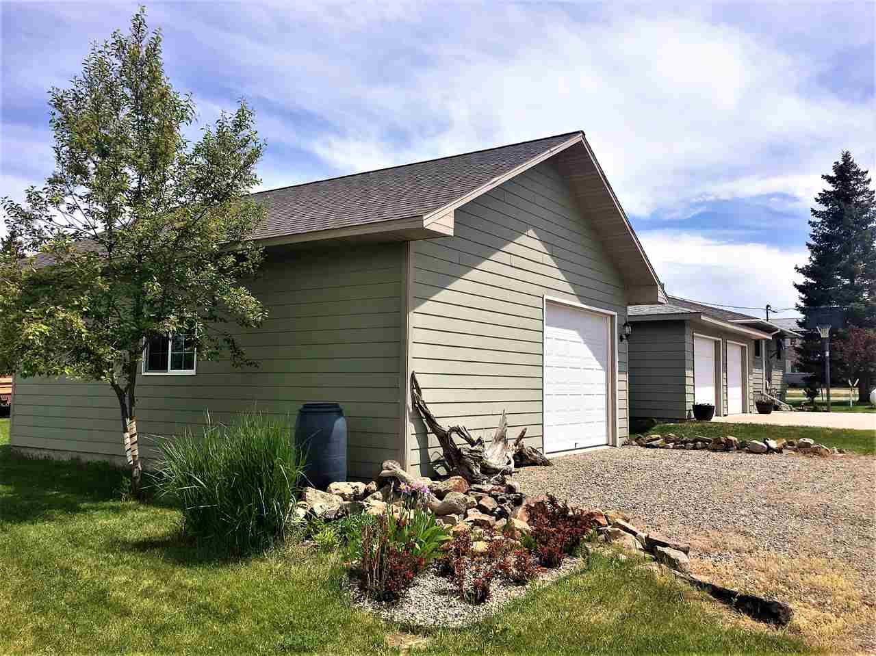 309 5th Ave SE, White Sulphur Springs, MT 59645