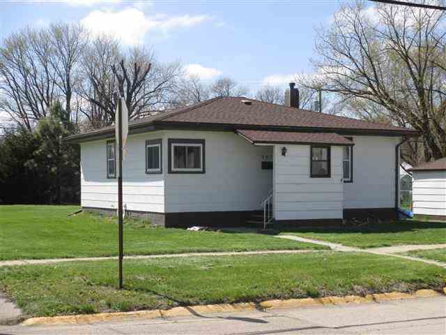 703 Crane Ave, Hastings, NE 68901