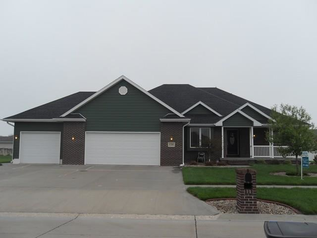 1310 Lochview Dr, Hastings, NE 68901