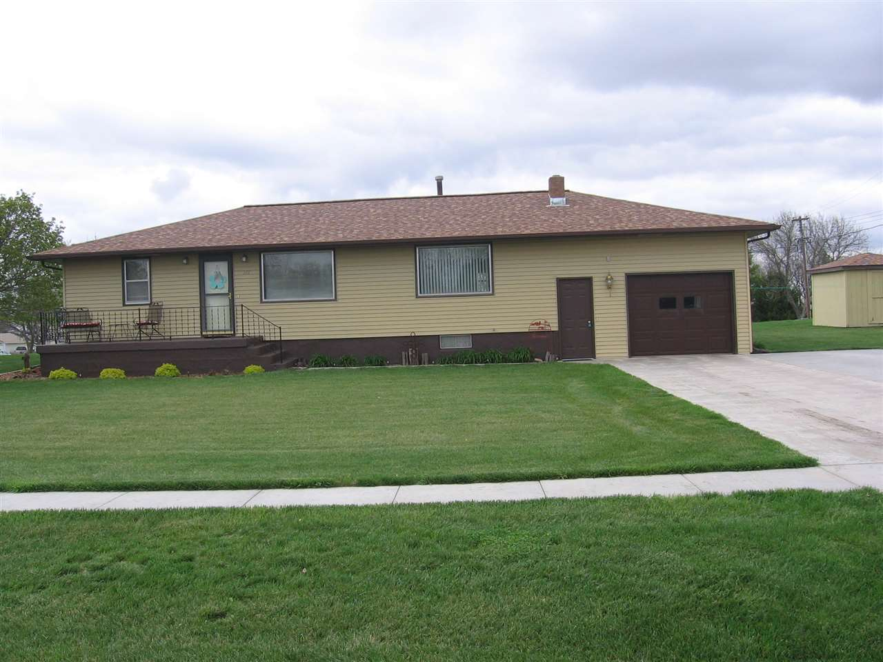 Photo of 217 Fairview Ave  Campbell  NE