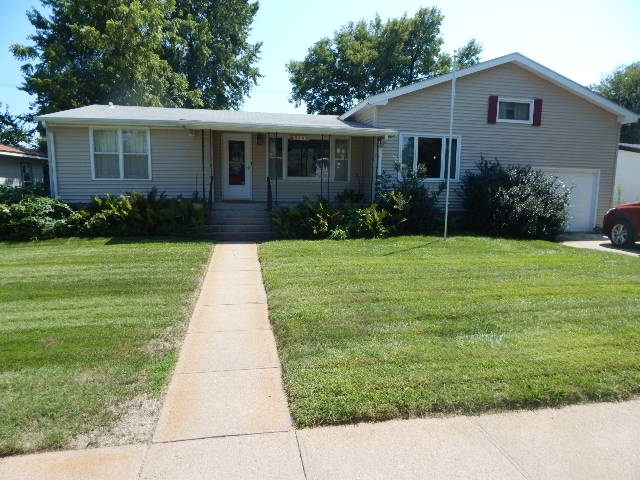 814 2nd 68901 - One of Hastings Homes for Sale