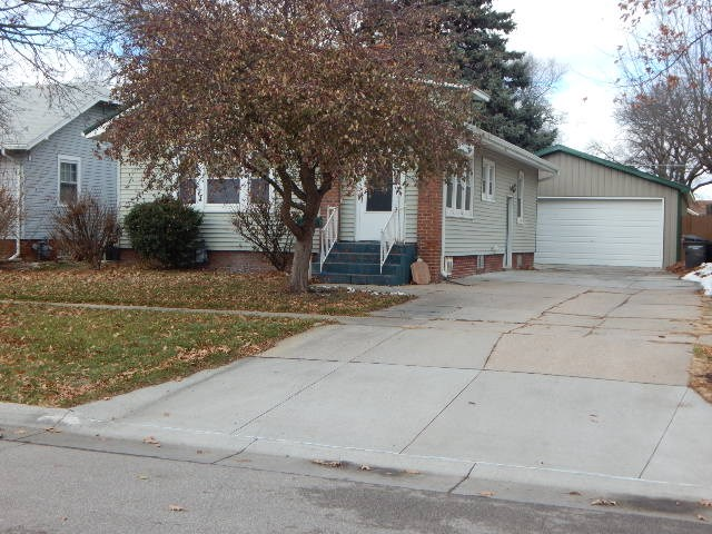 1506 6th 68901 - One of Hastings Homes for Sale