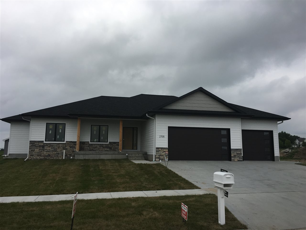 2705 Merle Avenue, Hastings, Nebraska