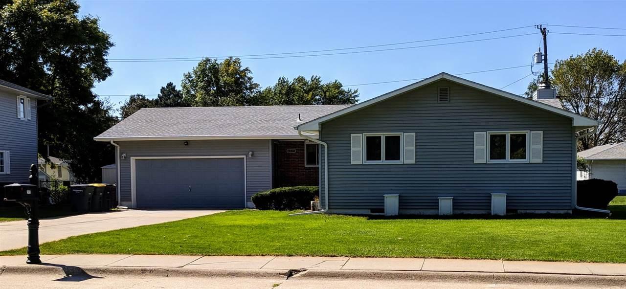 2425 11 Street, Hastings, Nebraska