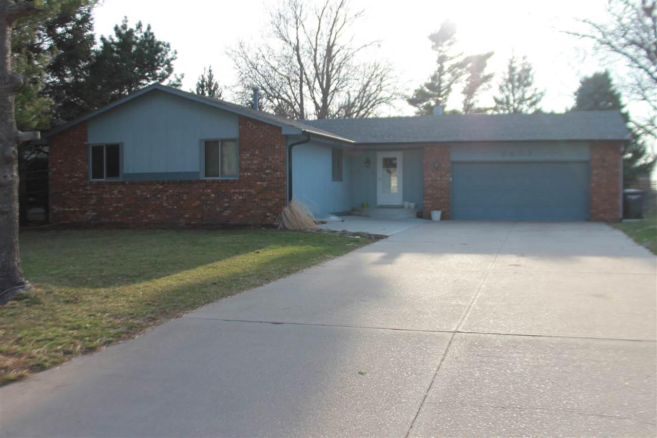 3007 Lakepark Lane, Hastings, Nebraska