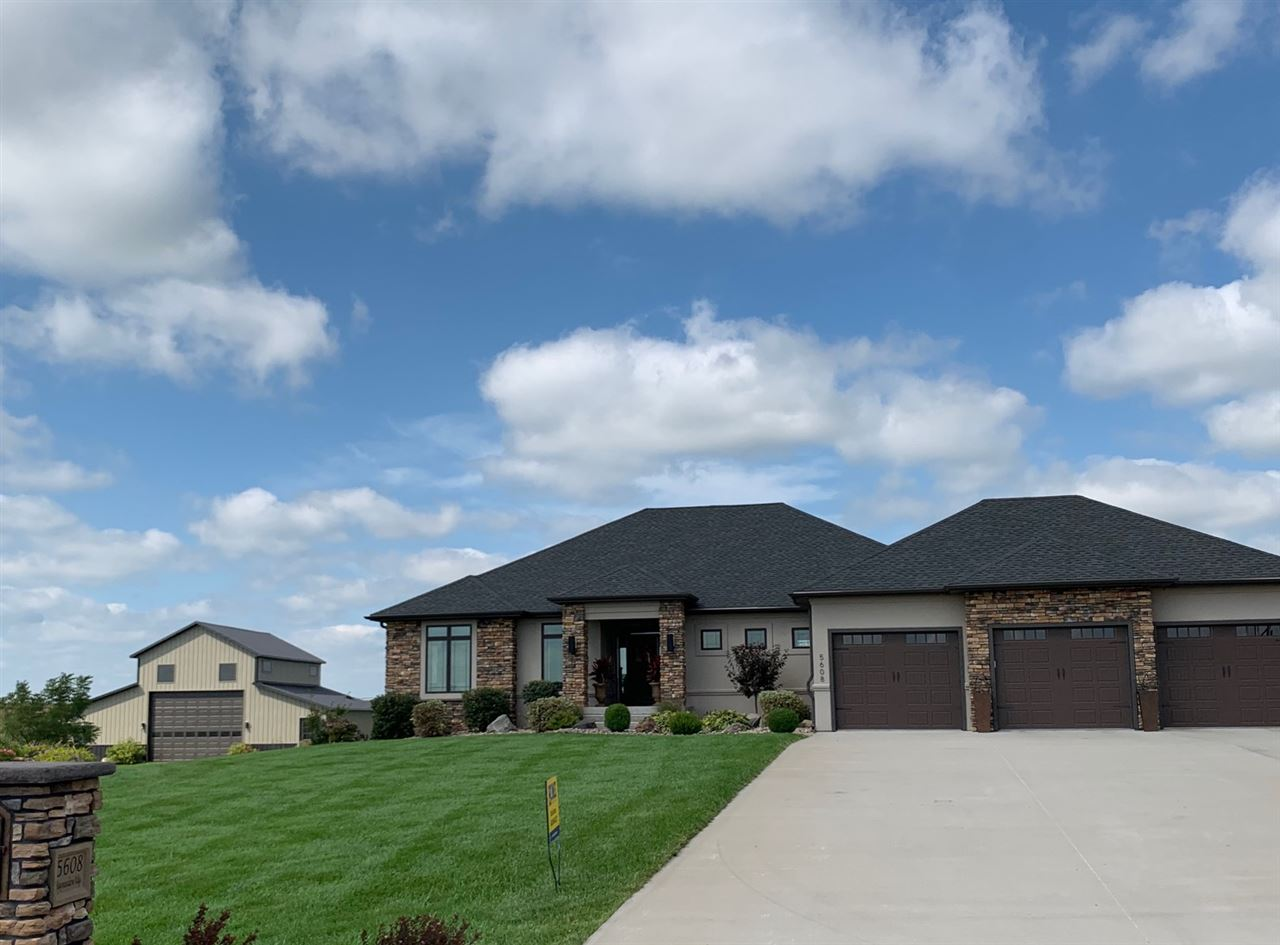 5608 Haymeadow Ridge, Hastings, Nebraska