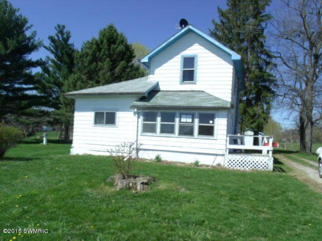 10060 Clark Rd, Hillsdale, MI 49242