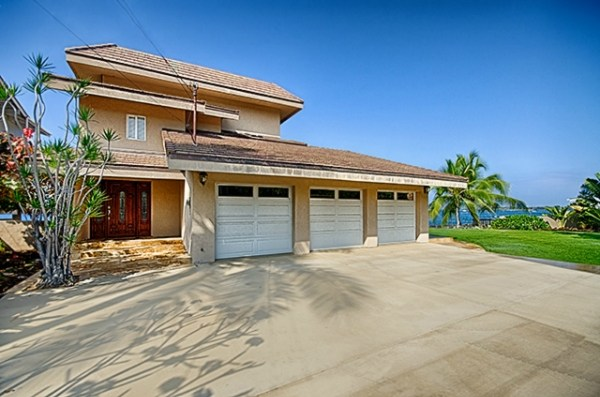 Single Family Home for Sale, ListingId:26292052, location: 75-5922 ALII DR Kailua Kona 96740