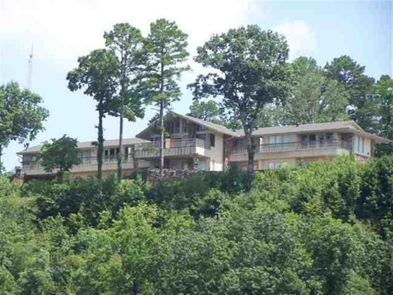 Arkansas waterfront property in hot springs lake ouachita for Home builders in arkansas