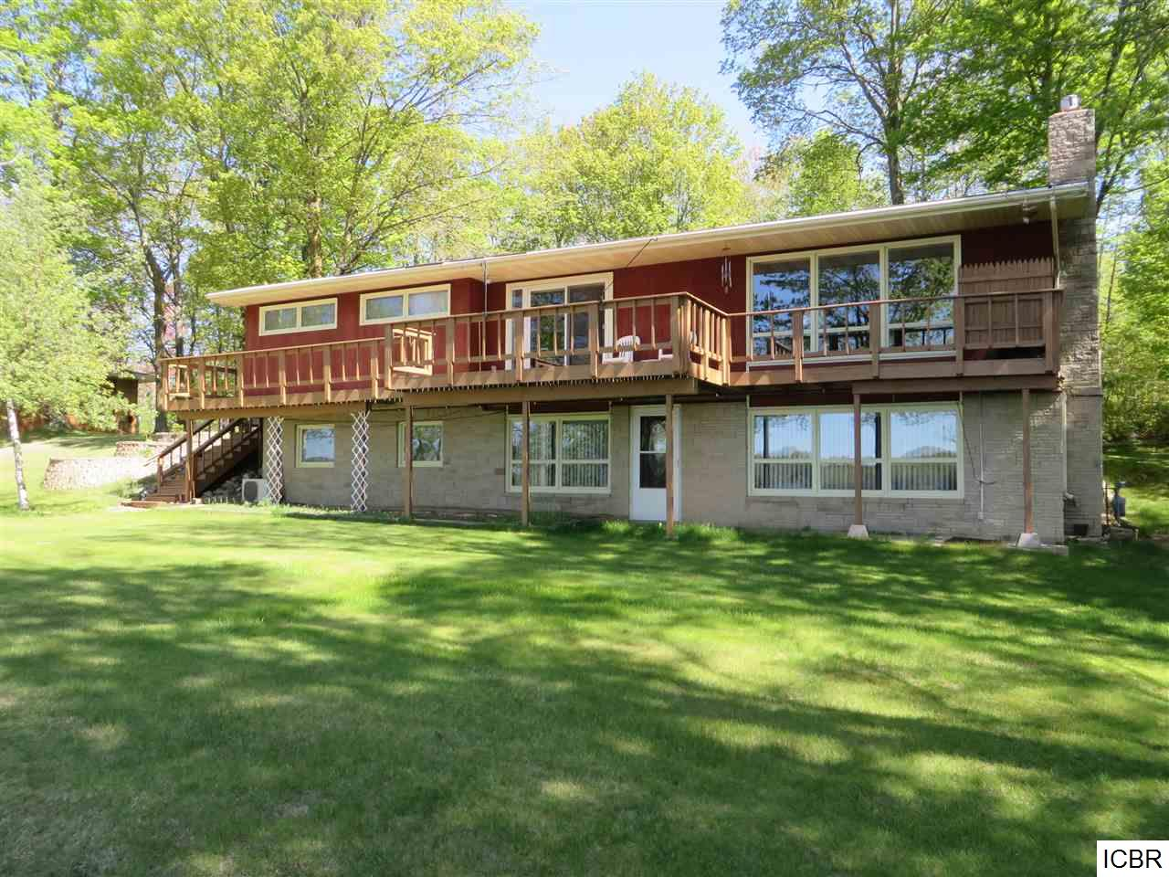 32343 Lakeview Dr, Grand Rapids, MN 55744