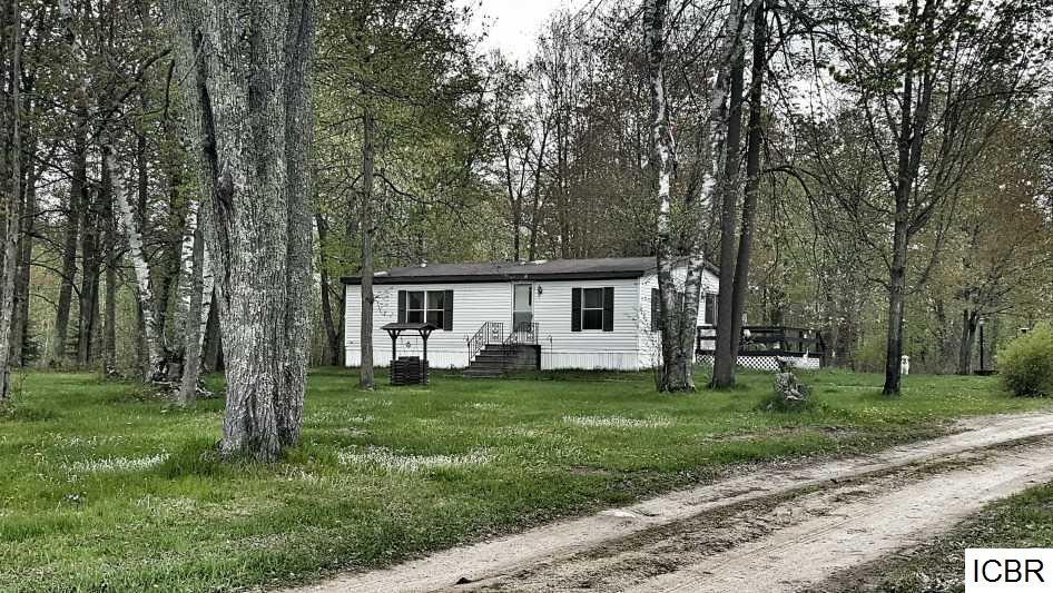 664 E Rangeline Rd, Bovey, MN 55709