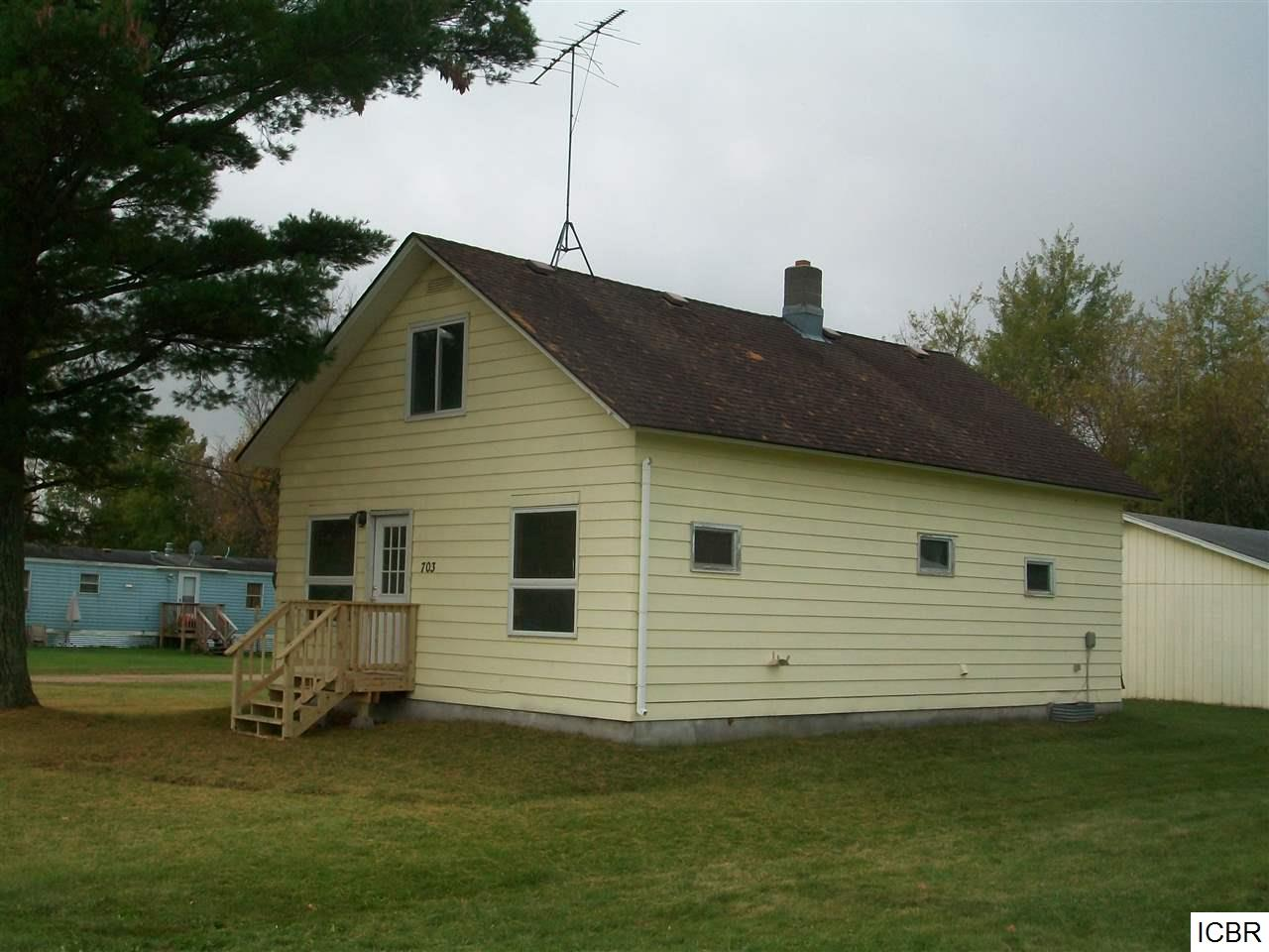 701 Division St, Deer River, MN 56636