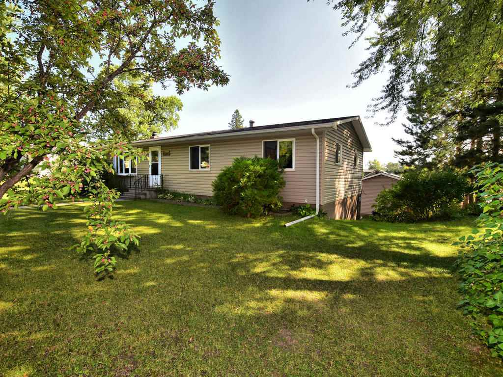 212 Dudley Ave Coleraine, MN 55722