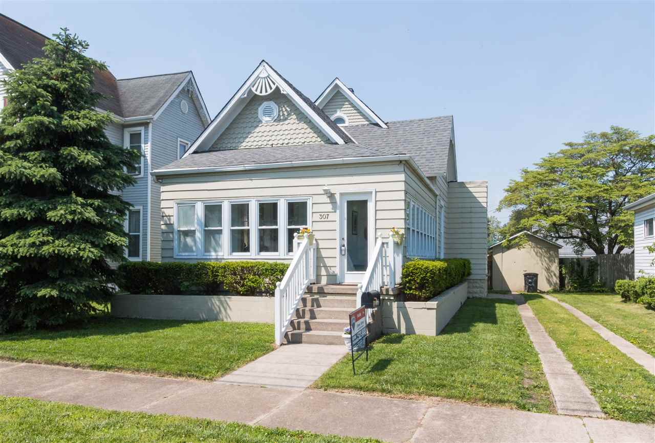 Photo of 307 N PINE ST  Seymour  IN