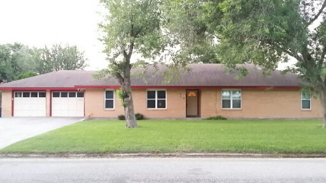Photo of 903 E Henderson  Bishop  TX