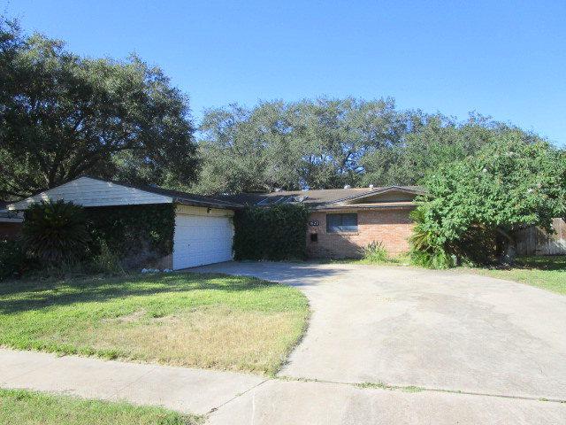 1620 Santa Maria St, Kingsville, TX 78363