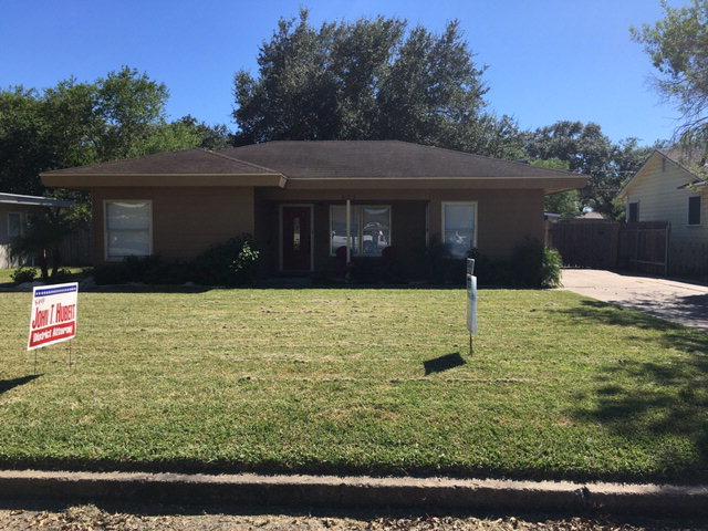 425 E Shelton St, Kingsville, TX 78363
