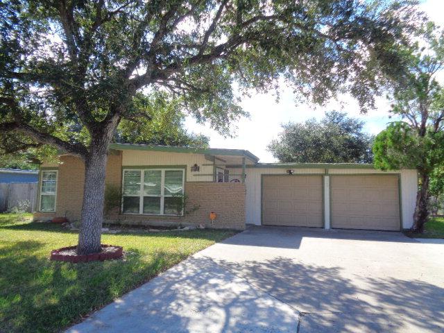 729 Santa Barbara Dr, Kingsville, TX 78363