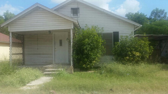 Photo of 1014 s almond  Alice  TX
