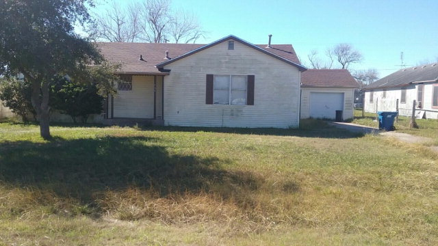 Photo of 708 E Third  Bishop  TX