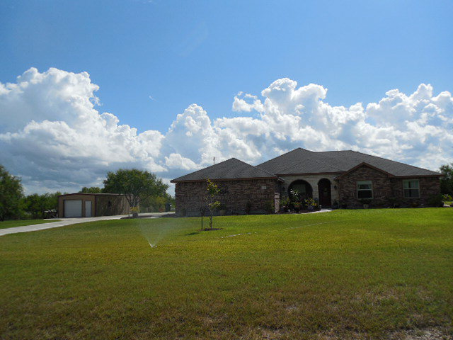 339 House Ave, Sandia, TX 78383