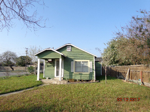 Photo of 802 E YOAKUM  Kingsville  TX