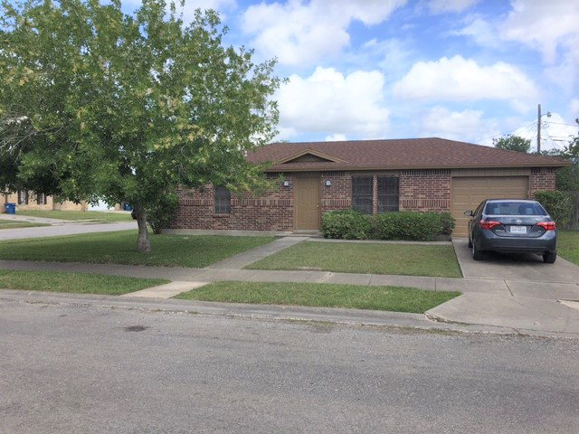 Photo of 308 Hickory Court  Bishop  TX