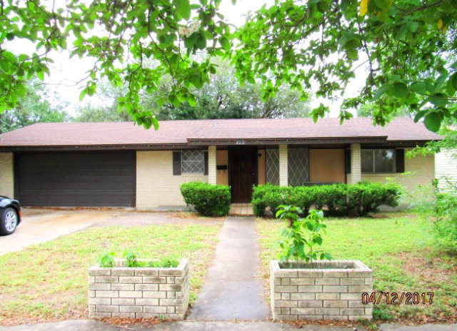 Photo of 322 S 24th  Kingsville  TX