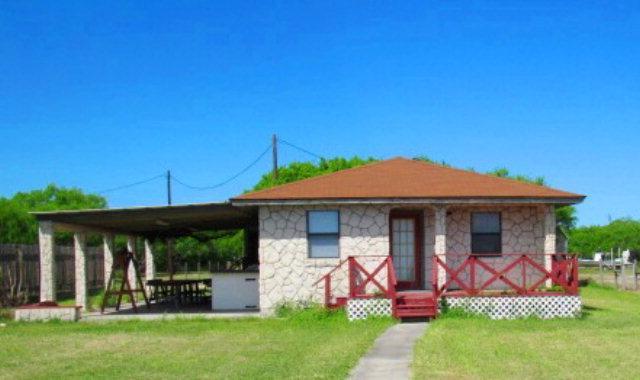 Photo of 634 S CR 1150  Riviera  TX