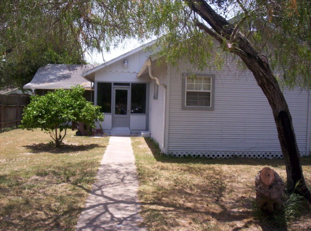 Photo of 113 S 2nd  Kingsville  TX