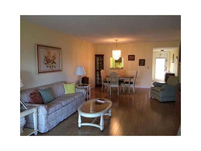 9721 Sunrise Lakes Blvd # 206, Fort Lauderdale, FL 33322