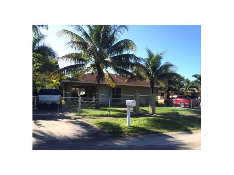 Photo of 960 NW 12th St  Homestead  FL