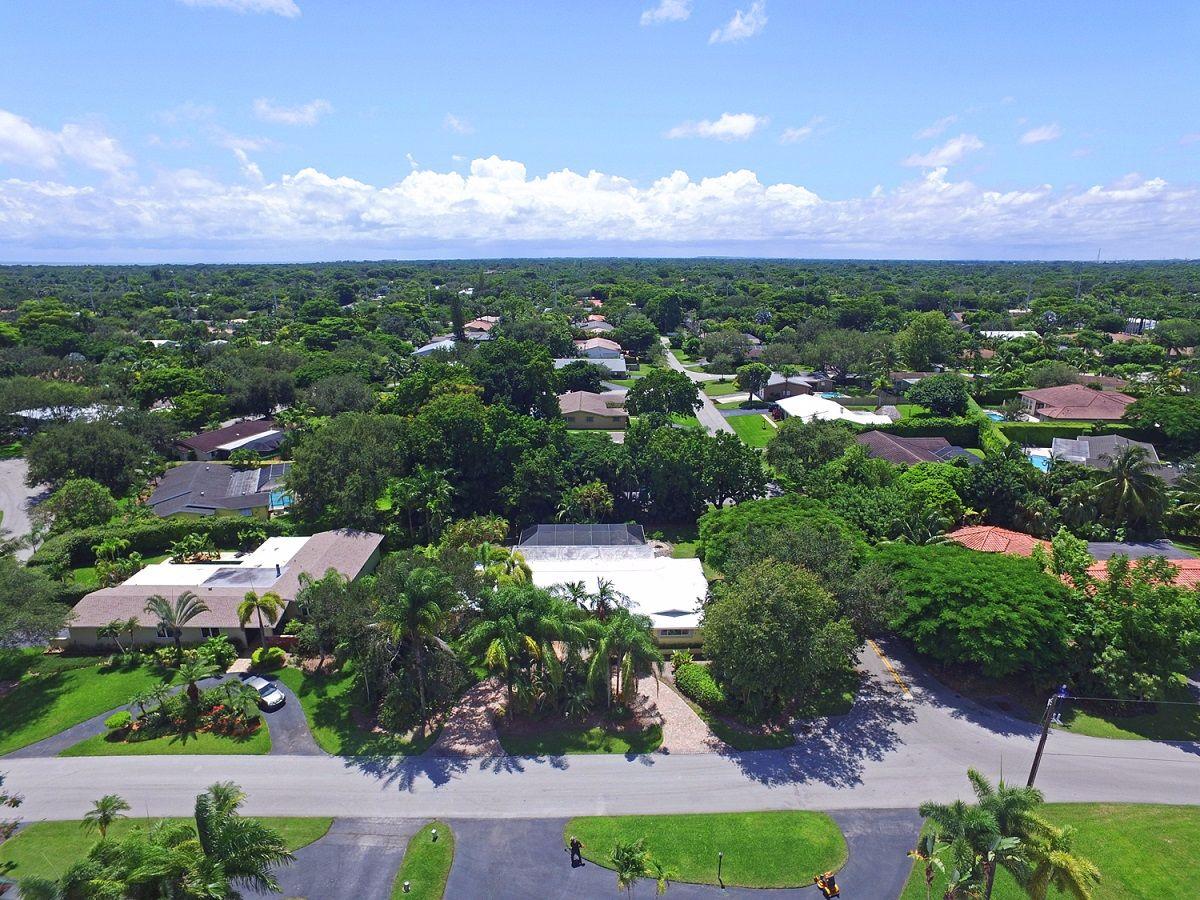 7990 Sw 140th Ter, Village Of Palmetto Bay, FL 33158