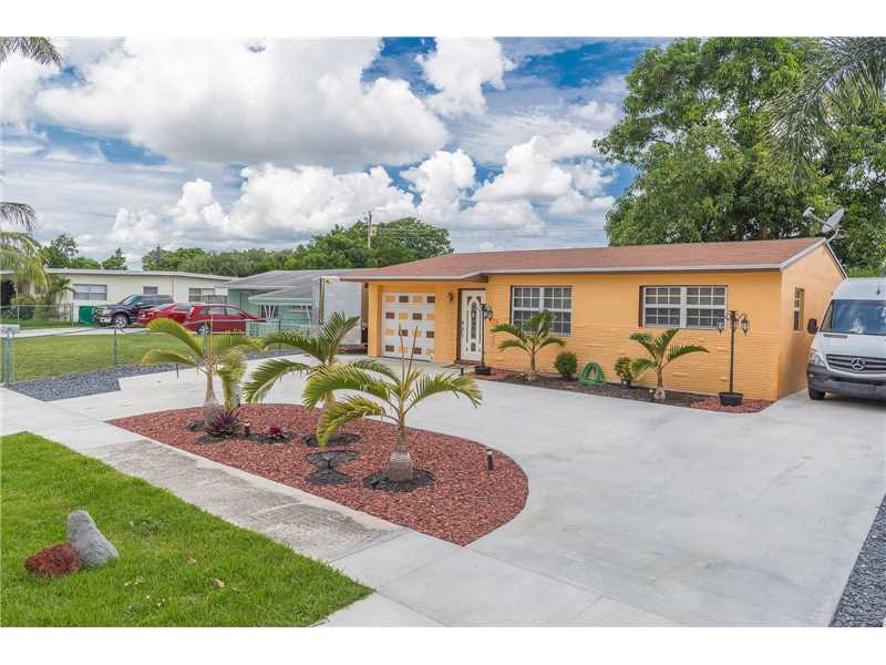 6471 Moseley St, Hollywood in Broward County County, FL 33024 Home for Sale