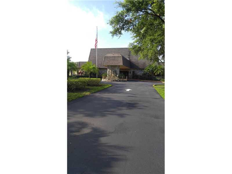 Photo of 250 Gate Rd 261  Hollywood  FL