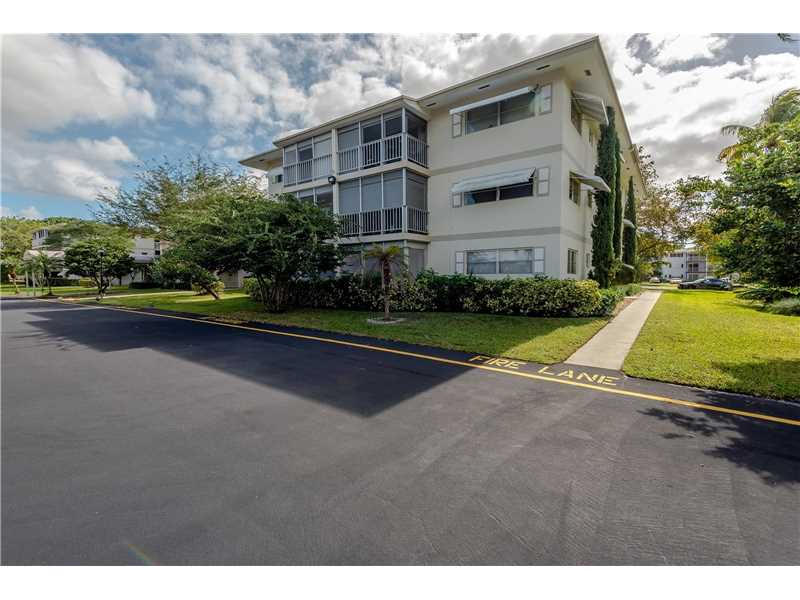 Photo of 1101 Hillcrest Ct 201  Hollywood  FL