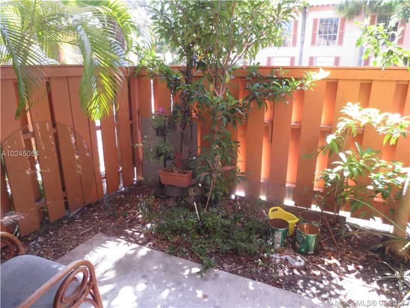 Condo/Townhouse - Miami Lakes, FL (photo 1)