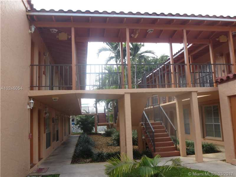 Condo/Townhouse - Miami Lakes, FL (photo 4)