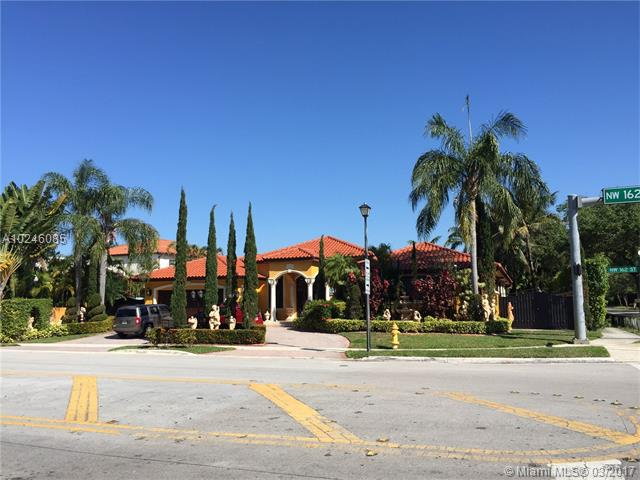 Single-Family Home - Miami Lakes, FL (photo 2)