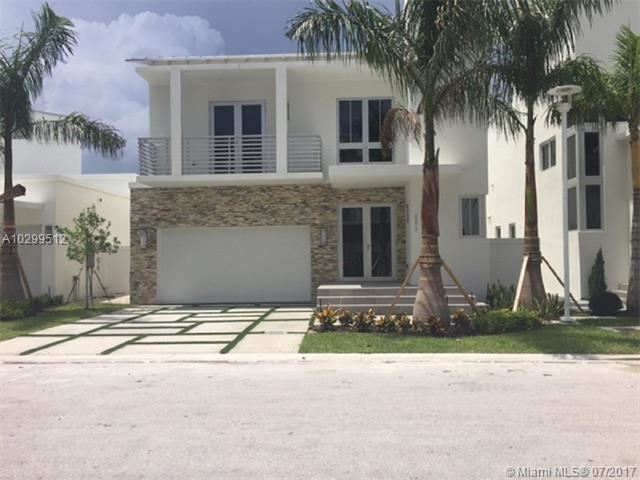Photo of 8276 34th St NW  Doral  FL