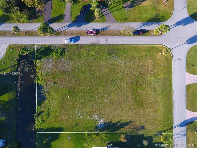 Davie Homes for Sale -  Waterfront,  2801 Sw 155 Ln