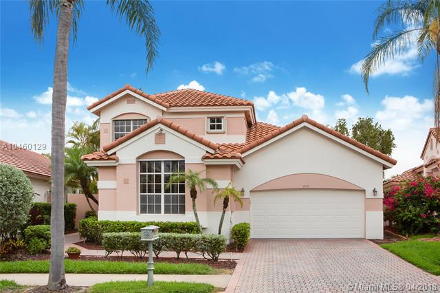 1531 E Lacosta Dr E, Pembroke Pines in  County, FL 33027 Home for Sale