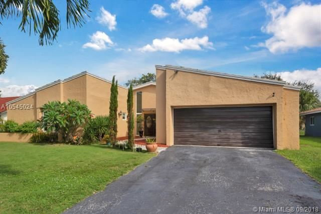8713 NW 27th St Coral Springs, FL 33065