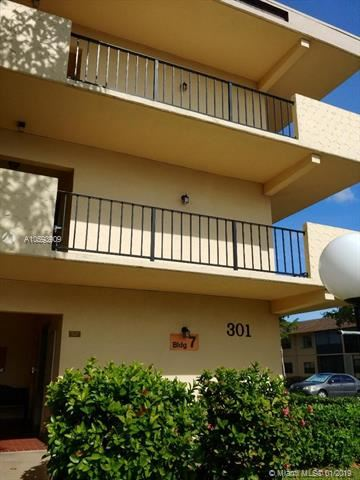 301 Cambridge Rd  #306, Hollywood, Florida
