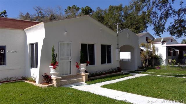 7762 Nw 8th Ct Miami, FL 33150