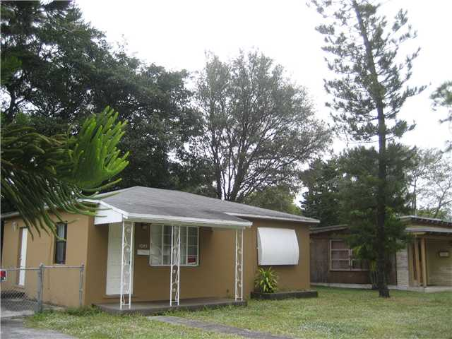 1045 130 ST, North Miami, FL 33161