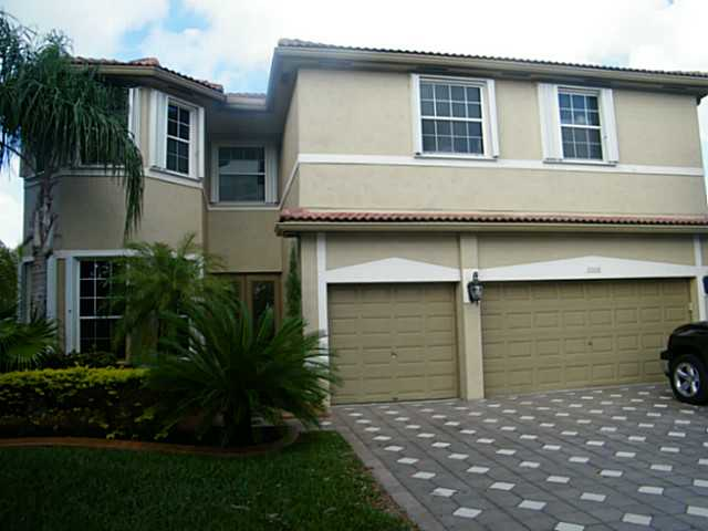 2008 176th # TE, Hollywood, FL 33029
