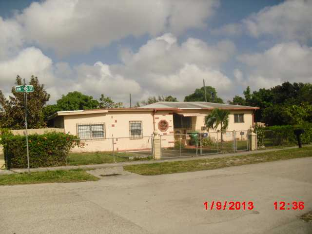 3095 NW 98th St, Miami, FL 33147