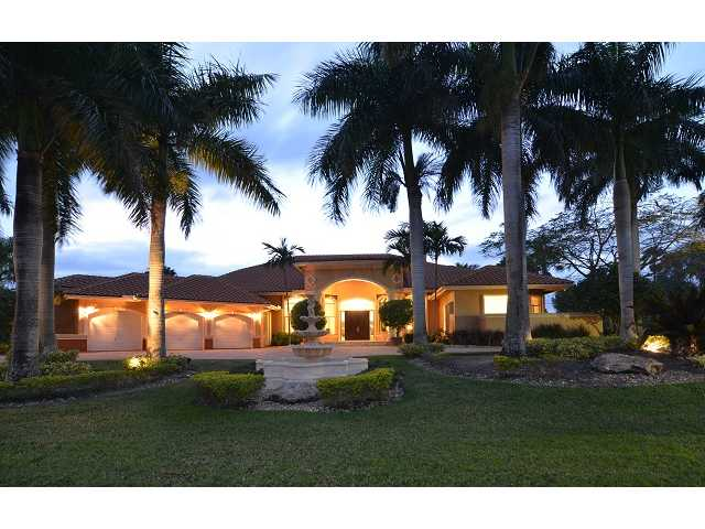 3852 Pine Lake Dr, Weston, FL 33332